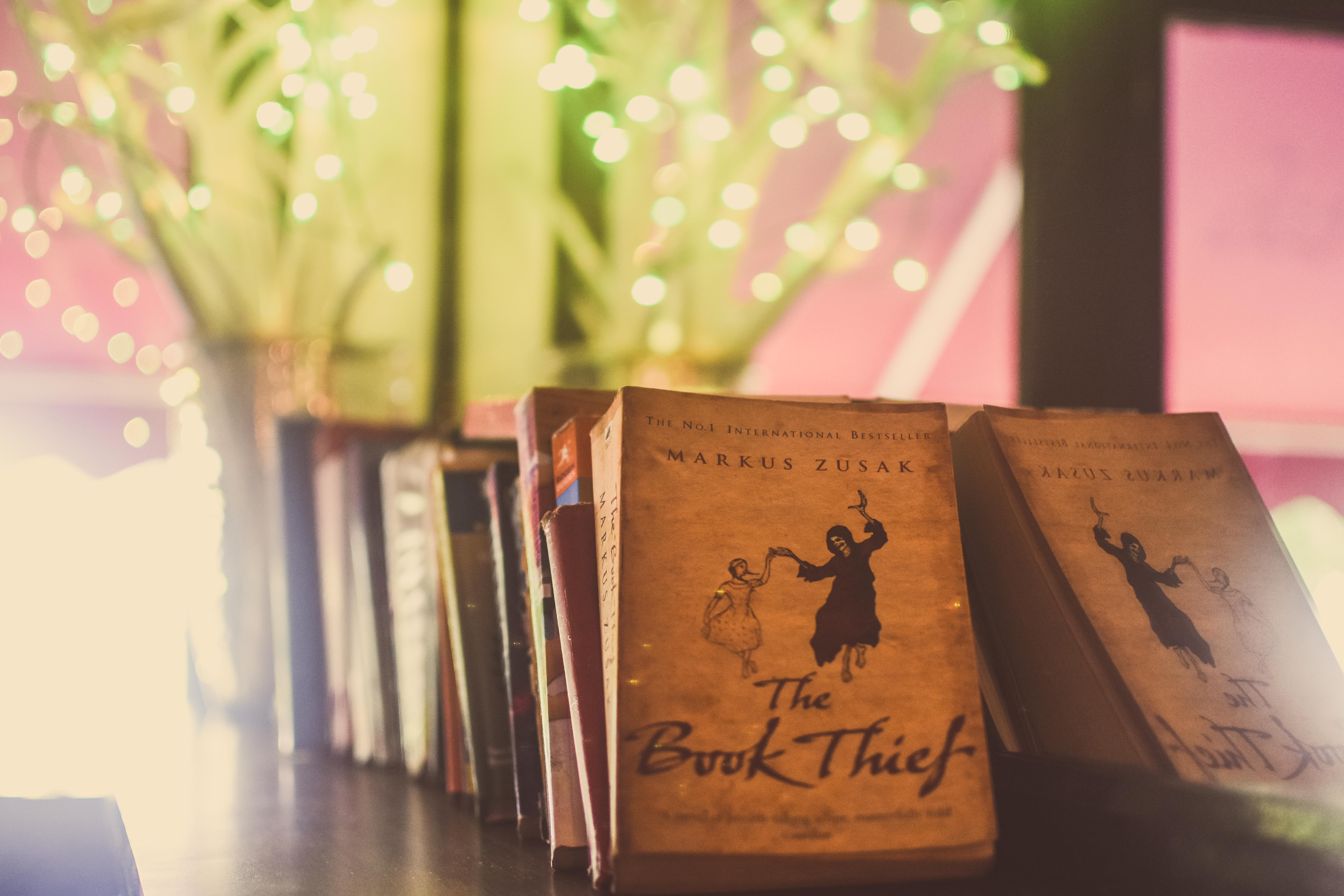 interiors_photography_auckland_travel_nz_cafe_books9