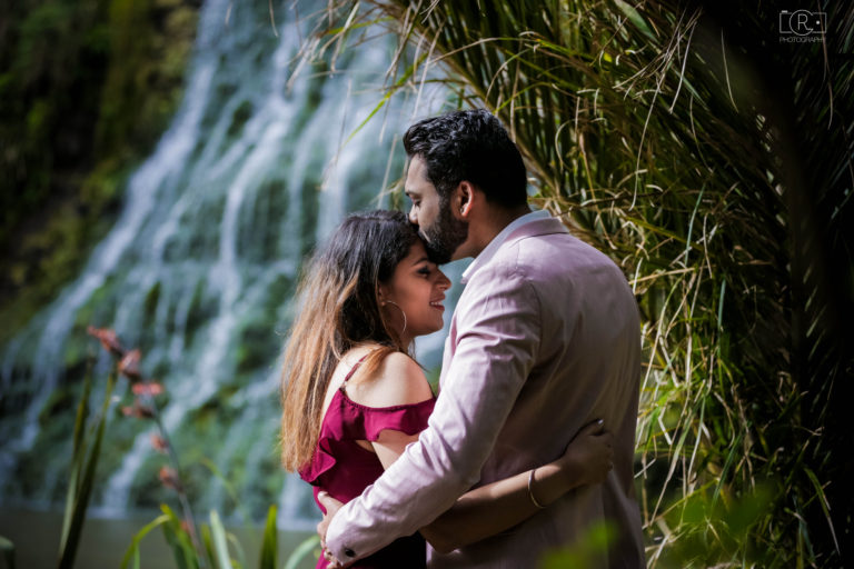Pre-Wedding_Shoot_Auckland_Karekare5